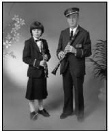 Pedro junto a su nieta Sandra en 1986